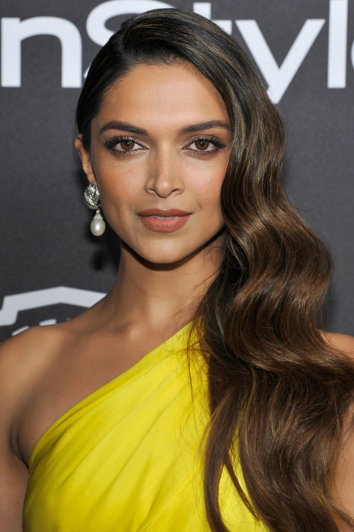 Deepika Padukone Is Our New Beauty Icon — & Her Makeup ...
