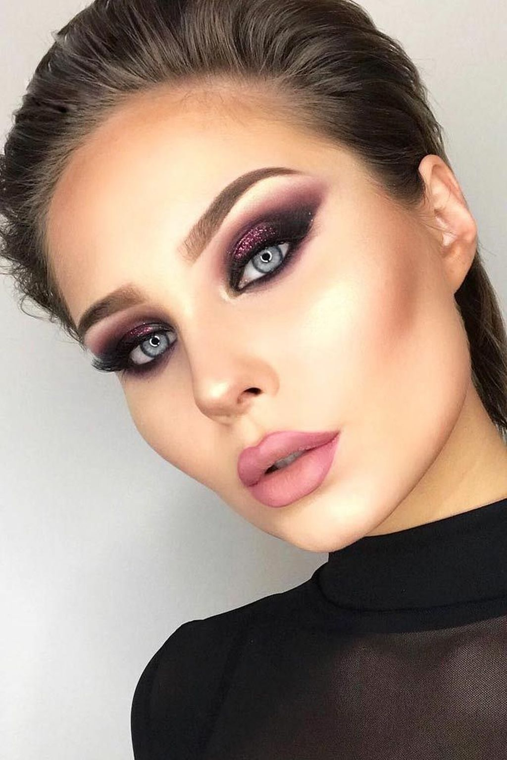 46 Stunning Holiday Makeup Ideas To Look Beautiful All Day Long